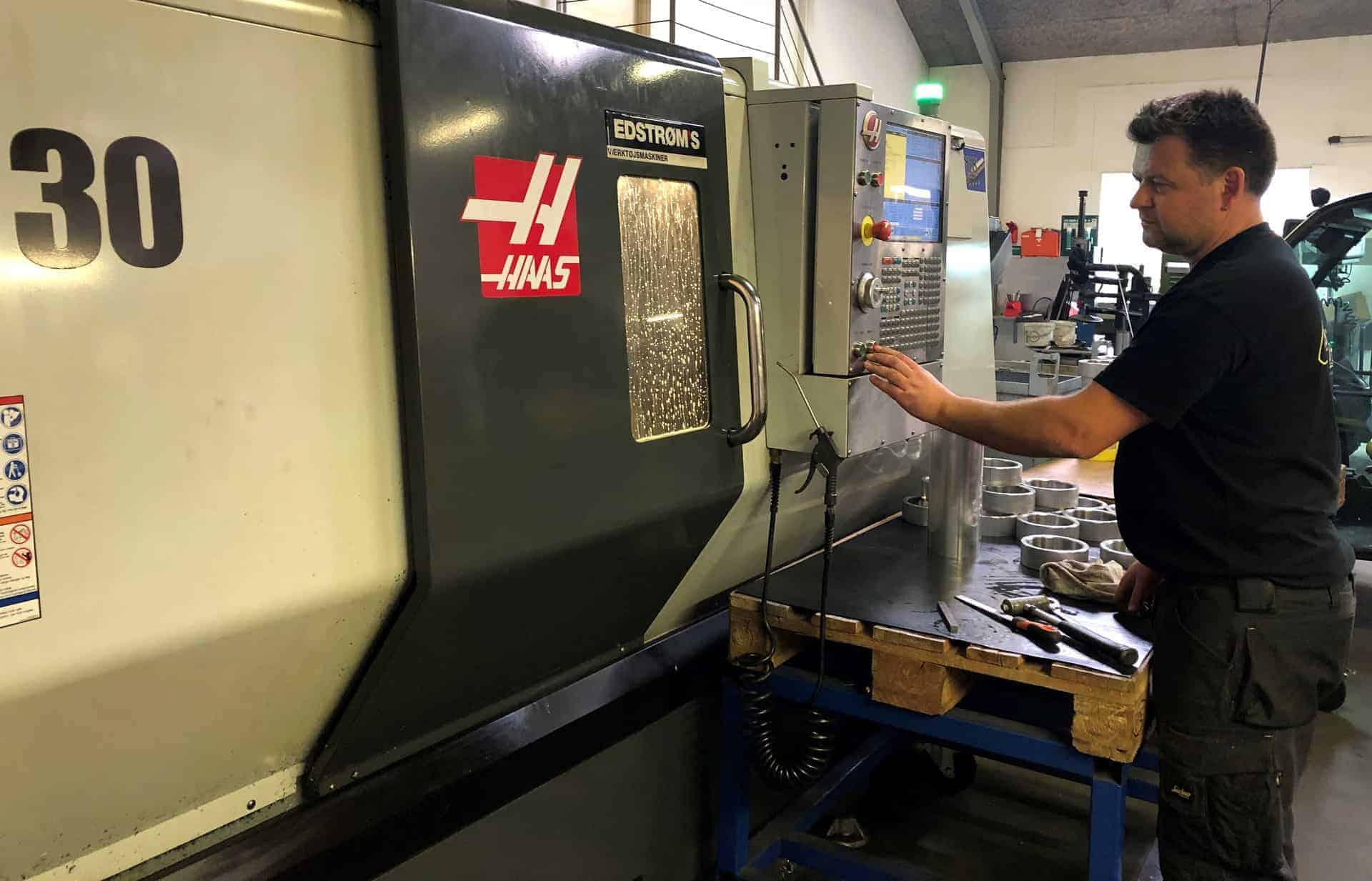 CNC-drejning. Vi former til præcision