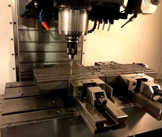 CNC-fræsning. Vi CNC-fræser hos MS UniTek. Få dit produkt fræset!